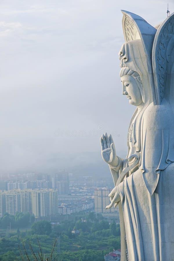 Estatua del bodhisattva de Guanyin imágenes de archivo libres de regalías