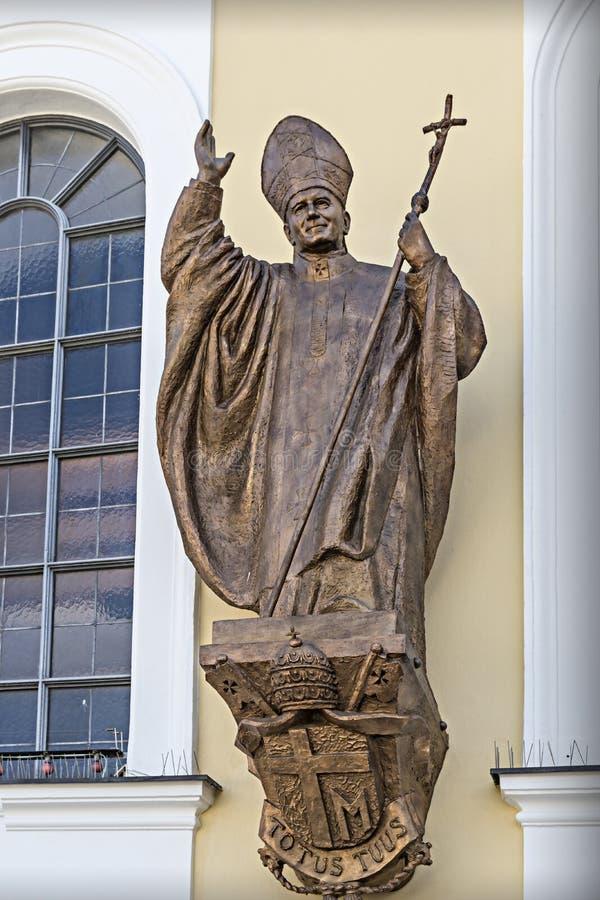 Estatua del bronce del papa Benedicto XVI fotografía de archivo