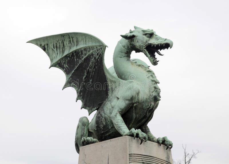 Estatua del dragón en Ljubljana, Eslovenia foto de archivo