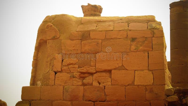 Estatua del elefante en las ruinas de Musawwarat es-Sufra, Meroe, Sudán fotos de archivo