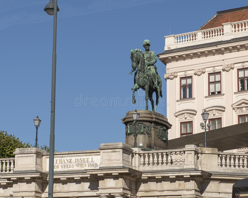 Estatua del emperador Franz Joseph I, Albertina Art Museum, Viena, Austria fotos de archivo libres de regalías