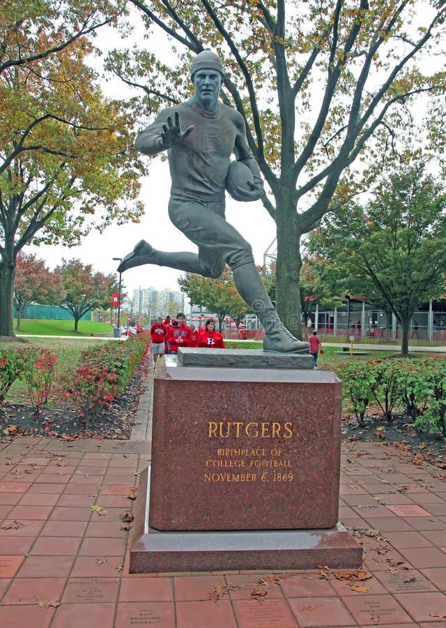 Estatua del futbolista de Rutgers imagen de archivo libre de regalías