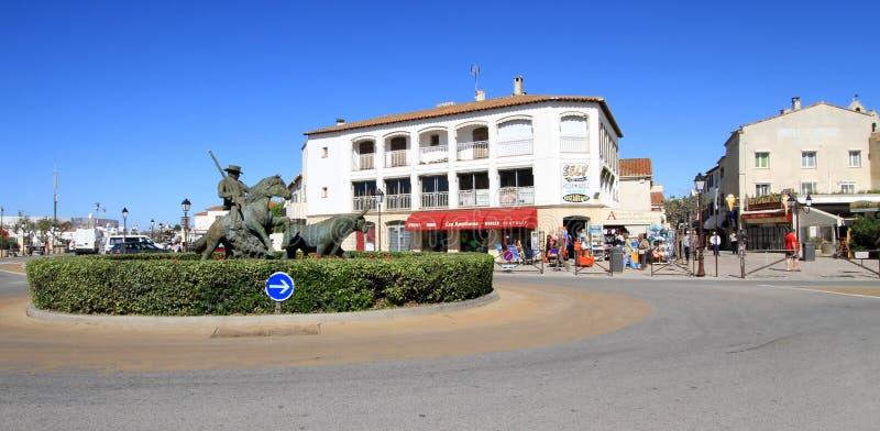Estatua del guarda y del toro, Saintes-Maries-de-la-MER, Camargue, franco foto de archivo libre de regalías