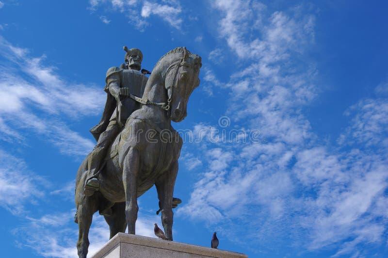 Estatua del héroe rumano Mihai Viteazul en Oradea fotografía de archivo libre de regalías