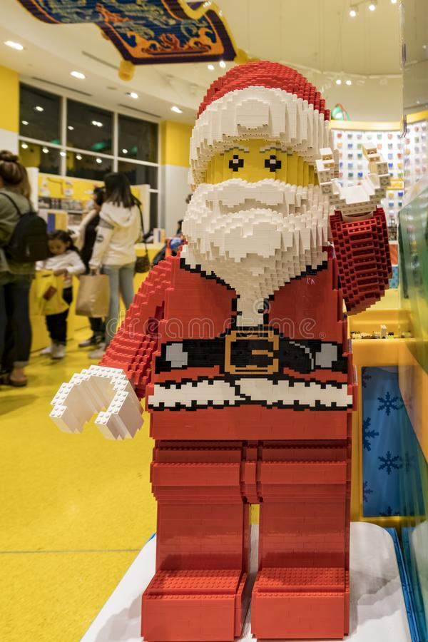 Estatua del lego de Santa Claus en el distrito céntrico famoso de Disney, fotografía de archivo libre de regalías