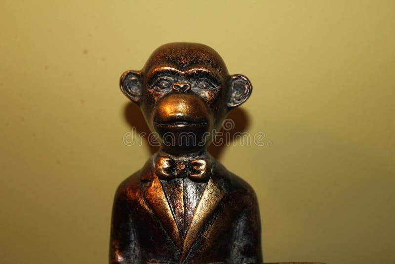 Estatua del mono imagenes de archivo