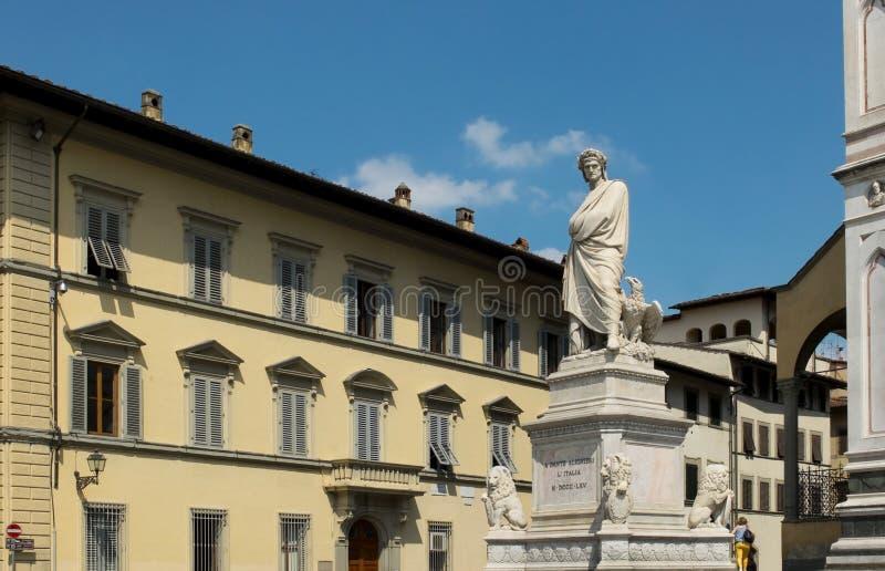 Estatua del monumento de Dante Alighieri. Florencia, Italia fotos de archivo libres de regalías