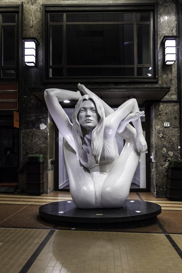 Estatua del musgo de Kate en Oslo por el orujo quinn fotografía de archivo