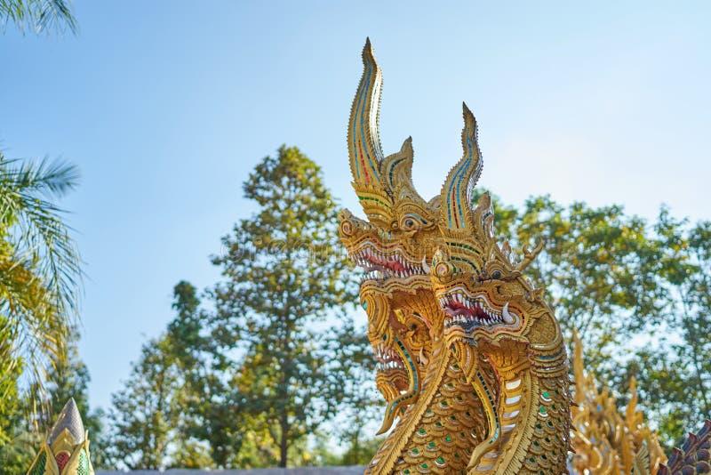 Estatua del Naga imagen de archivo