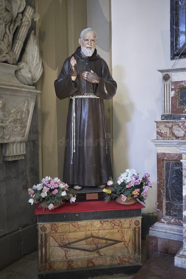 Estatua del Pio del capellán fotografía de archivo libre de regalías