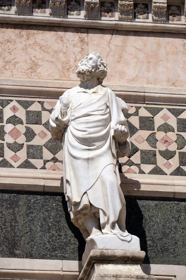 Estatua del profeta, porta en el flanco de Florence Cathedral fotografía de archivo