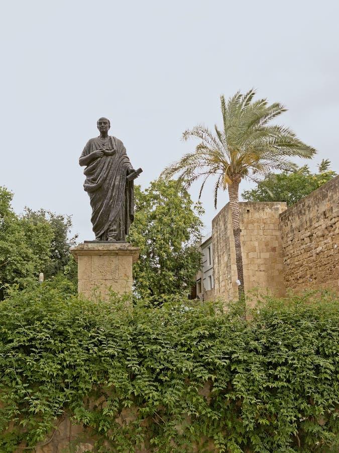 Estatua del Seneca el más joven de Amadeo Ruiz Olmos en Córdoba imagen de archivo