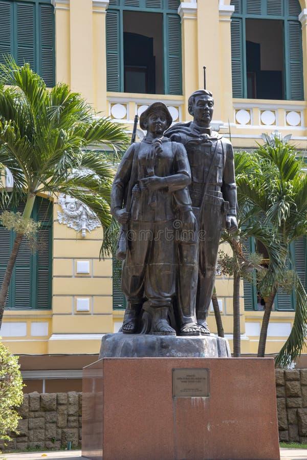 Estatua del soldado de Viet Cong en Ho Chi Minh City Vietnam fotografía de archivo