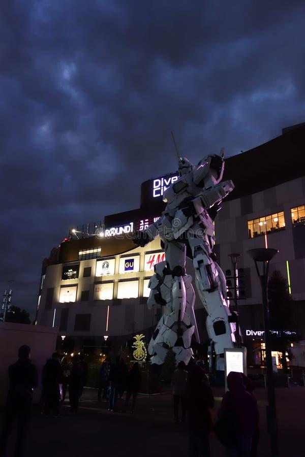 Estatua del unicornio de Gundam en Tokio foto de archivo libre de regalías