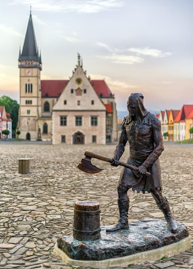 Estatua del verdugo en la ciudad Bardejov, Eslovaquia fotografía de archivo libre de regalías