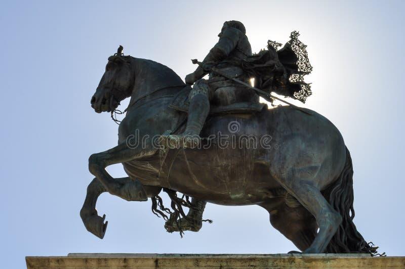 Estatua ecuestre de Felipe IV imagenes de archivo