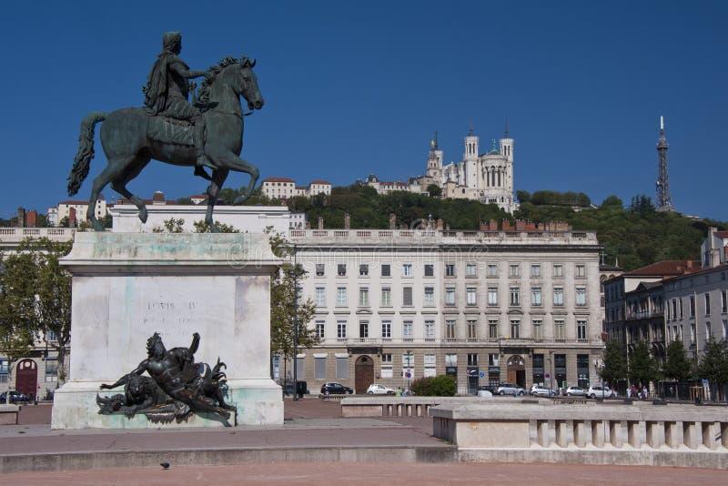 Estatua ecuestre de louis xiv en el bellecour del lugar fotografía de archivo libre de regalías