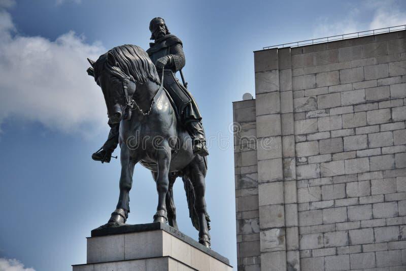 Estatua ecuestre en Praga, República Checa imagenes de archivo