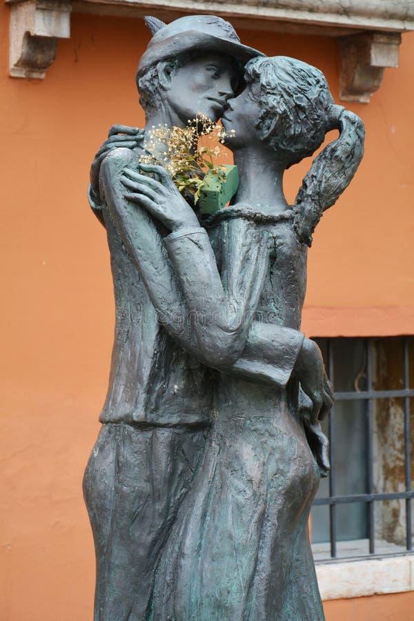 Estatua en Bassano del Grappa, Italia imagen de archivo