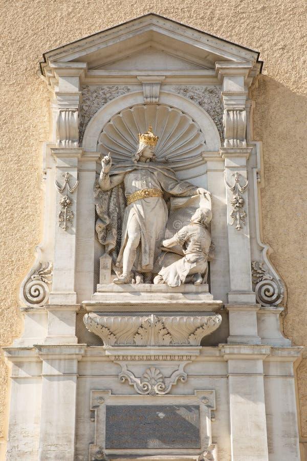 Estatua en el lugar de la iglesia escocesa Henry II, duque de Aus foto de archivo libre de regalías