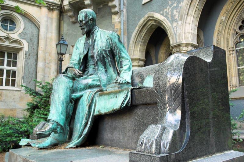 Estatua en el parque de la ciudad de Budapest fotos de archivo libres de regalías