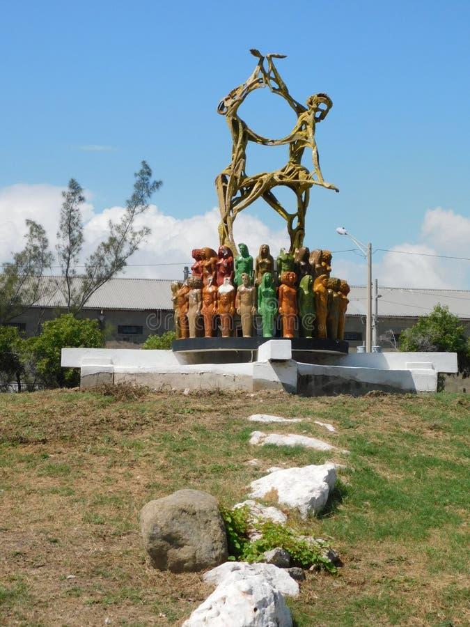 Estatua en la costa fotografía de archivo libre de regalías