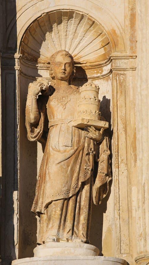 Estatua en la universidad de Coímbra, Portugal imagenes de archivo