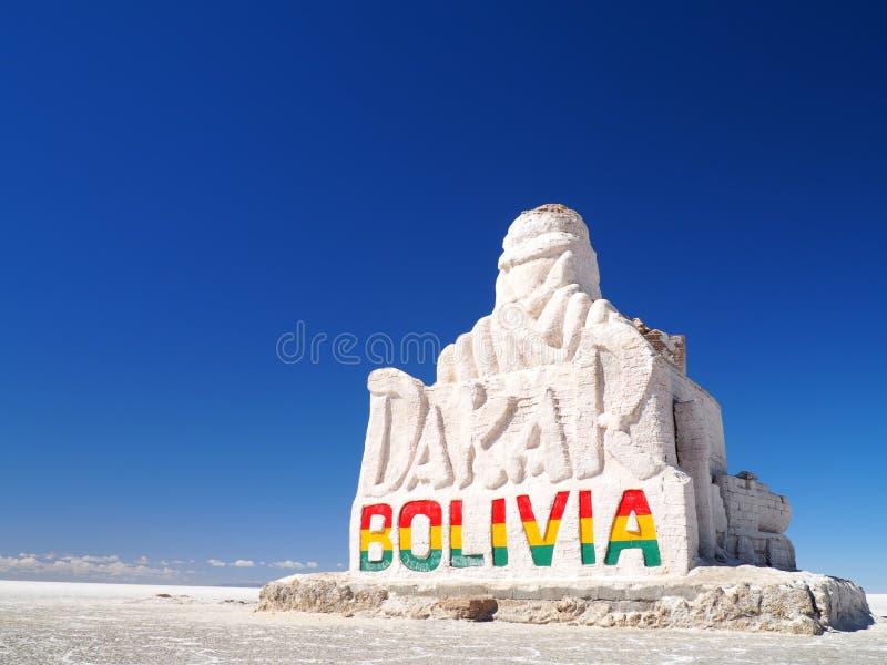 Estatua en Salar de Uyuni, Bolivia de Dakar foto de archivo libre de regalías