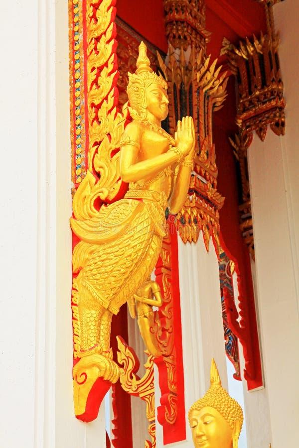 Estatua en Wat Tham Bucha, Surat Thani, Tailandia fotos de archivo libres de regalías