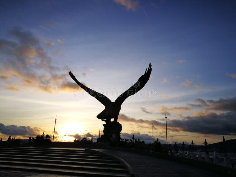 Estatua enorme del águila imágenes de archivo libres de regalías