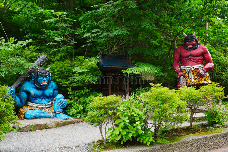 Estatua gigante en el valle del infierno de Jigokudani en Noboribetsu, Hokkaido foto de archivo libre de regalías