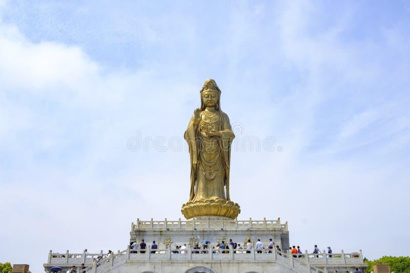 Estatua grande del Bodhisattva de Guanyin en la monta?a de Putuo fotografía de archivo libre de regalías