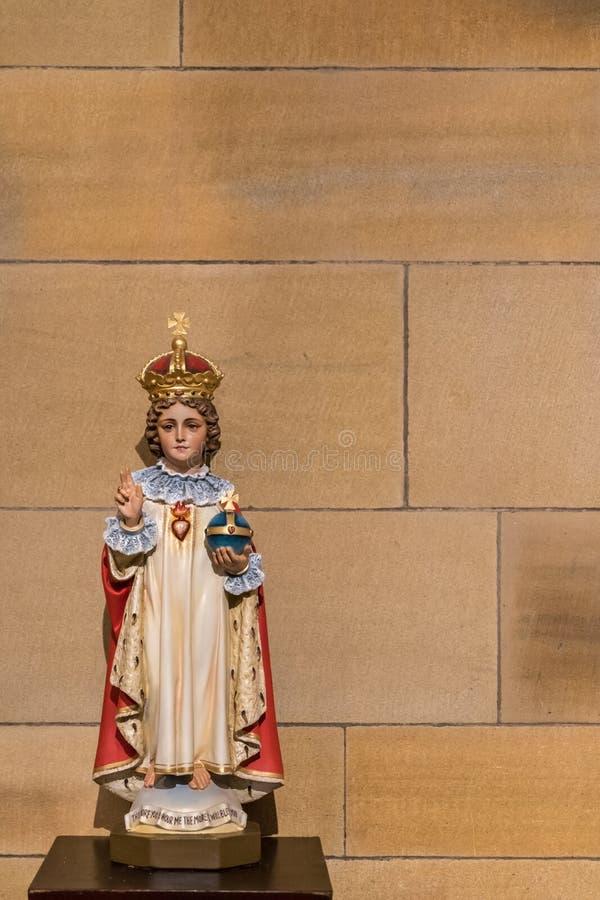 Estatua joven de rey Jesus en la catedral de Marys del santo, Sydney Austral foto de archivo libre de regalías