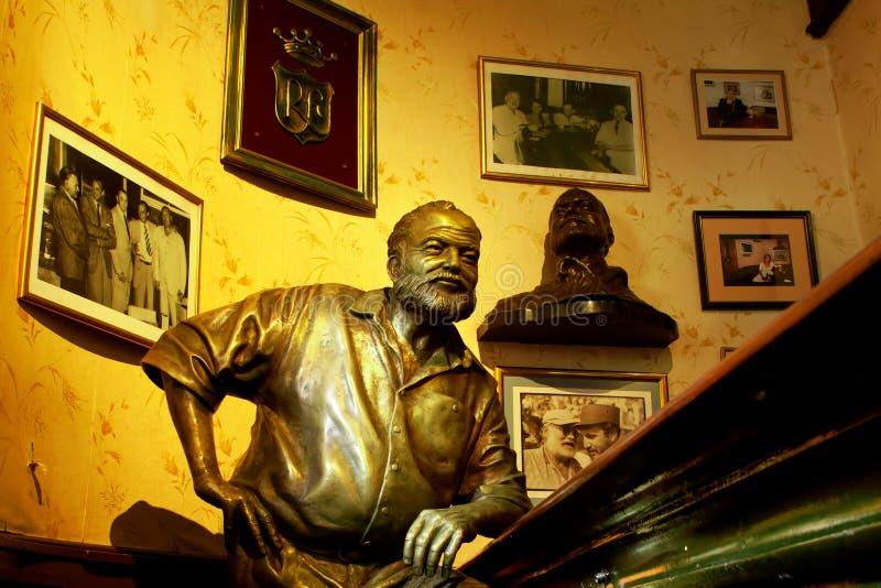 Estatua La Habana, Cuba de Hemingway imagen de archivo libre de regalías