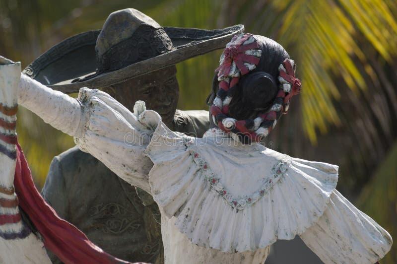 Estatua mexicana de los bailarines imagenes de archivo