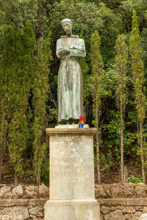 Estatua para uno de los monjes imágenes de archivo libres de regalías