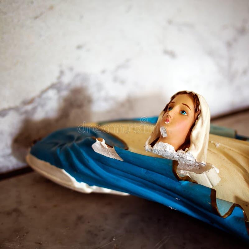 Estatua quebrada de Madonna detalle imágenes de archivo libres de regalías