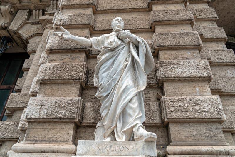 Estatua romana de mármol: Cicero Cicerone foto de archivo libre de regalías