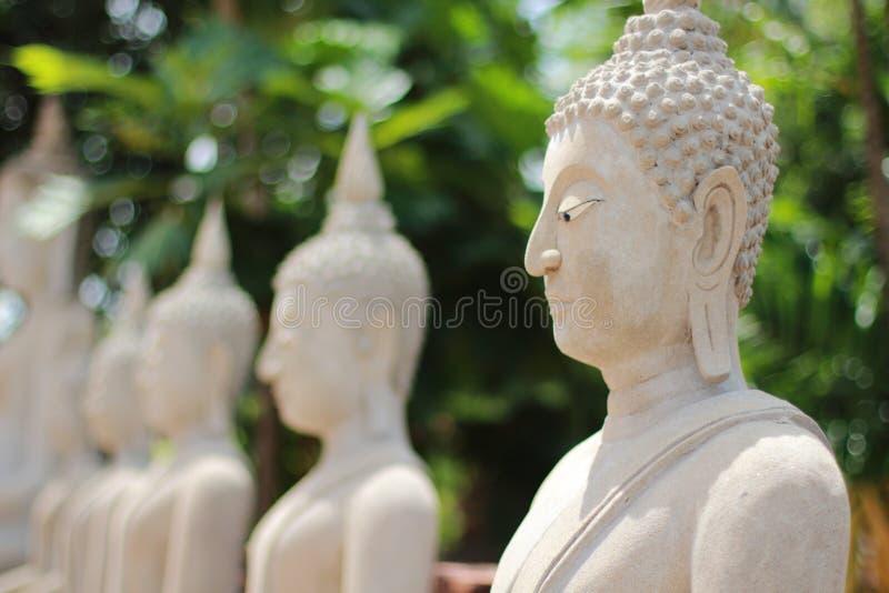 Estatua tailandesa de Buddha fotografía de archivo