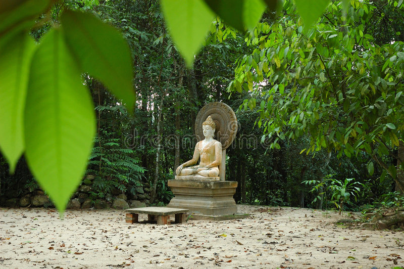Estatua vieja de Buddha fotografía de archivo libre de regalías
