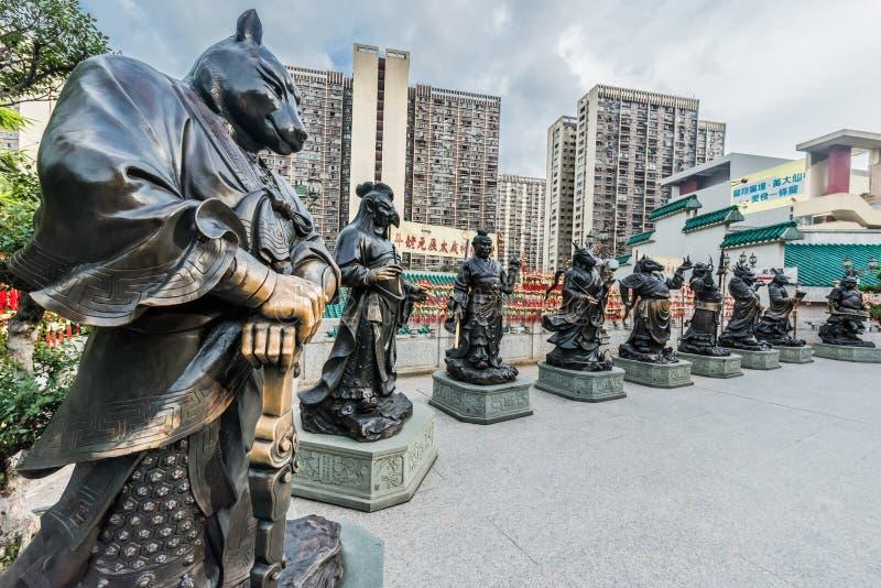 Estatuas chinas Sik Sik Yuen Wong Tai Sin Temple Kowloon del zodiaco imagen de archivo