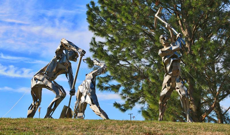 Estatuas de aluminio únicas en los jardines botánicos de Norfolk fotos de archivo libres de regalías
