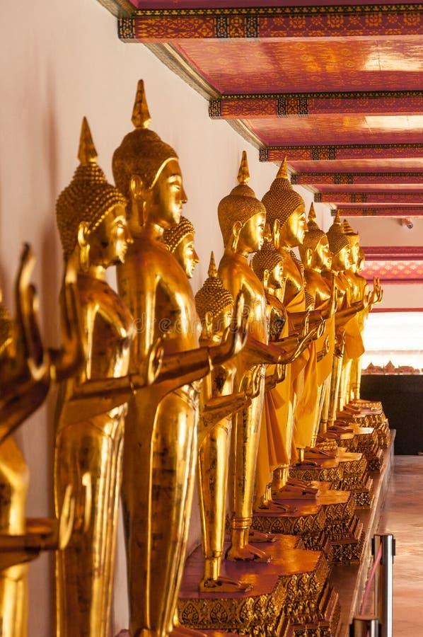 Estatuas de Buda del oro fotos de archivo libres de regalías