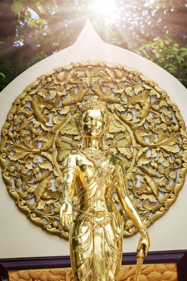Estatuas de Buda del oro imagen de archivo