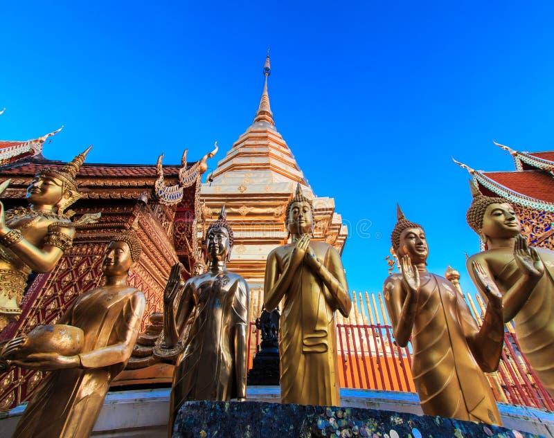 Estatuas de Buda en Wat Phra That Doi Suthep foto de archivo
