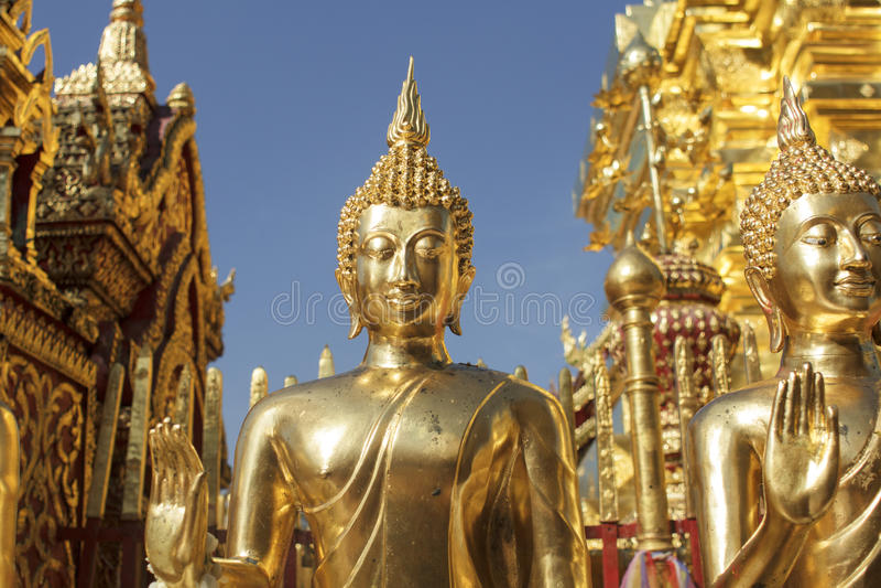 Estatuas de Buda en Wat Phra That Doi Suthep en Chiang Mai foto de archivo