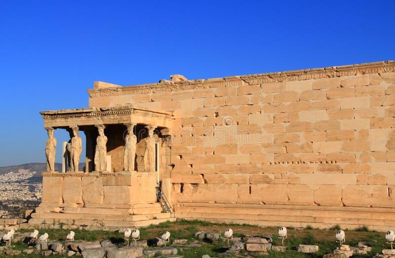 Estatuas de la cariátide en el pórtico del Erechtheion en Atenas, Grecia fotografía de archivo libre de regalías