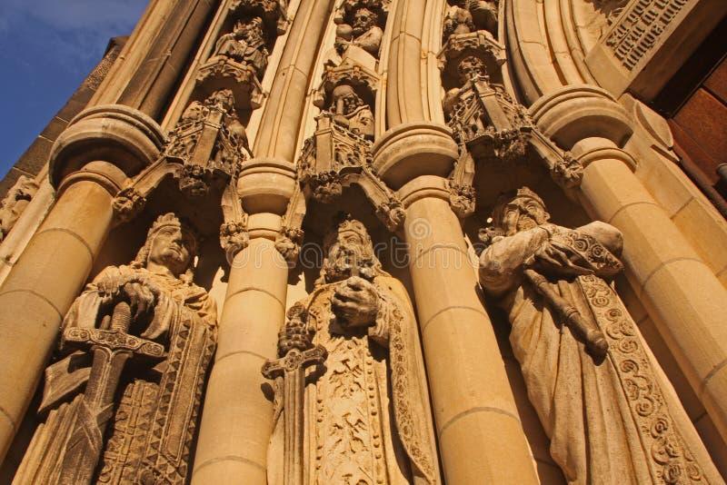 Estatuas de la iglesia foto de archivo libre de regalías