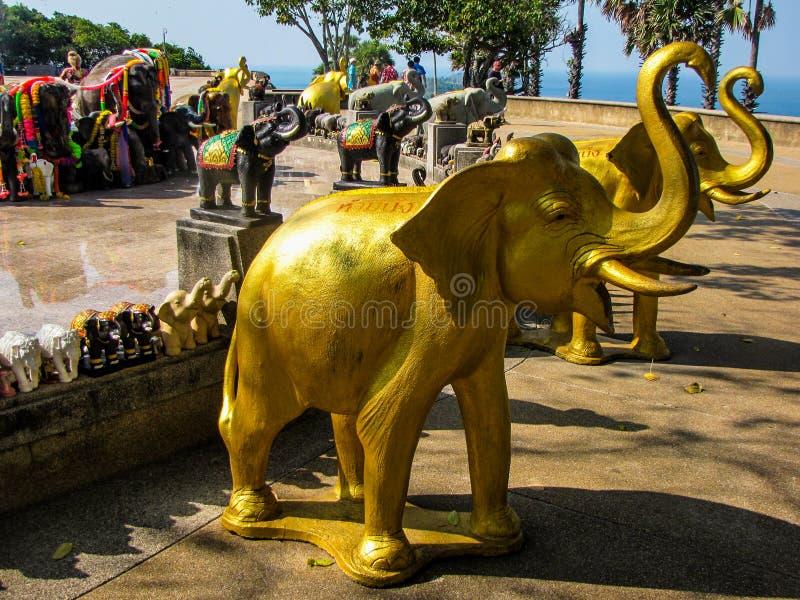 Estatuas de los elefantes fotos de archivo