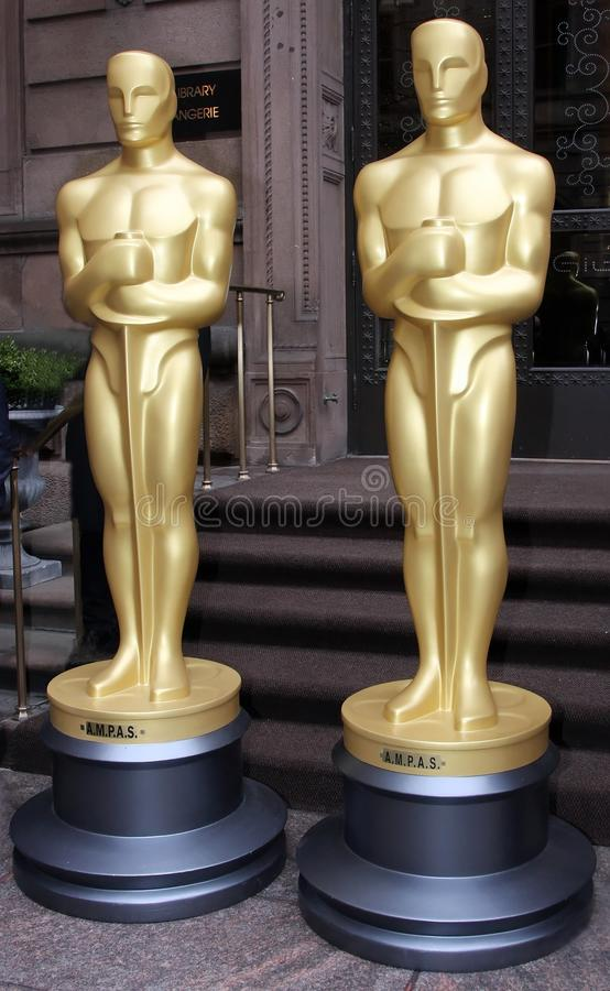 Estatuas de oro imagen de archivo